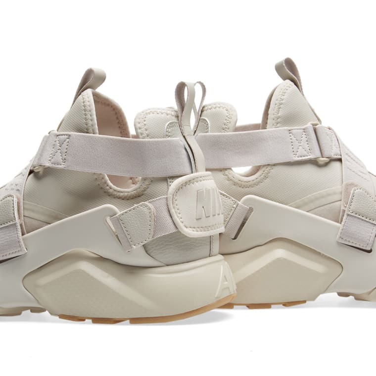 ... denmark nike air huarache city w desert sand white gum brown 4 5b426  c8d10 8a10c86f3