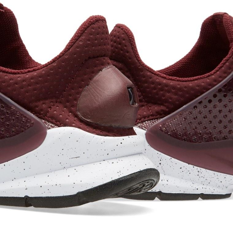 magasin en ligne 6cc6b 80270 Uk Trainers Nike Roshe Run Fb Scarlet Hungary Elegant Factory Outlet