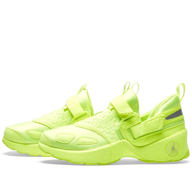 9e65b0350be356 ... all color 7784a 3020d Nike Air Jordan Trunner LX Energy GG Pinnacle  Release ...