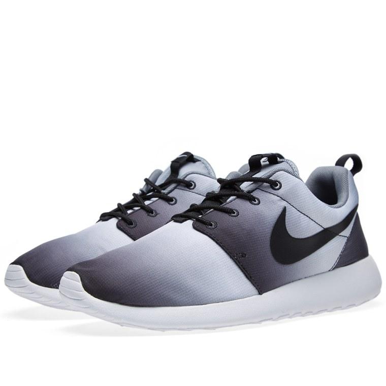 Nike Rosherun Roshe Run Print Eclipse Black White Grey
