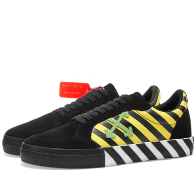 Off-White Low Vulcanized Arrow Sneaker