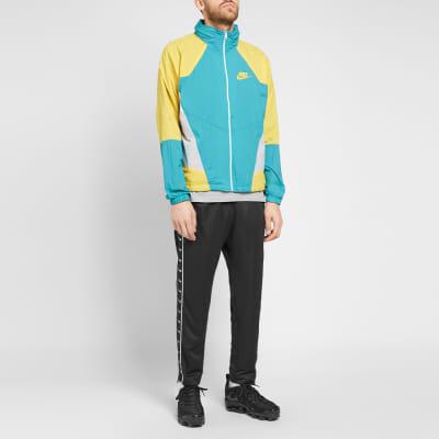 53eeb8b90e7e ... Nike Re-issue Woven Wind Jacket