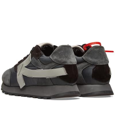 new styles 4bb07 58908 ... Off-White Arrow Running Sneaker