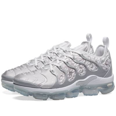 new concept e2968 3d375 ... White, Black, Red   Green. £109. Nike Air VaporMax Plus ...