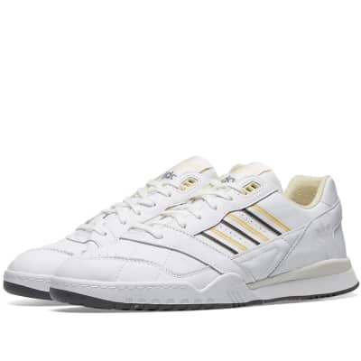 05948d43124 Adidas A.R Trainer ...