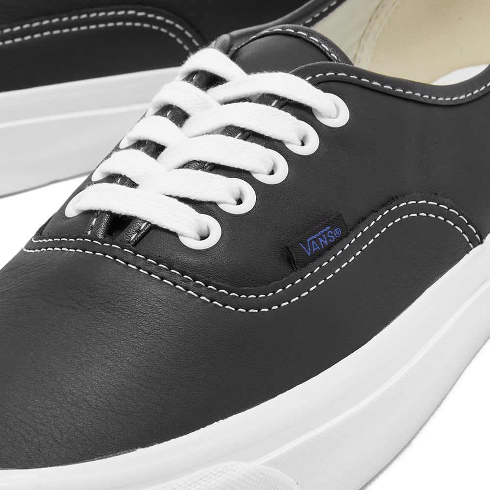 Vans UA Authentic 44 DX - Black & Leather