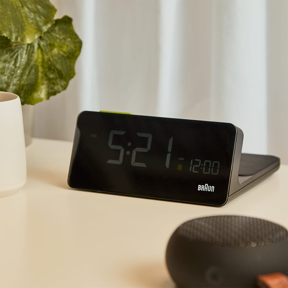 Braun BC21 - Wireless Charging Clock - Black