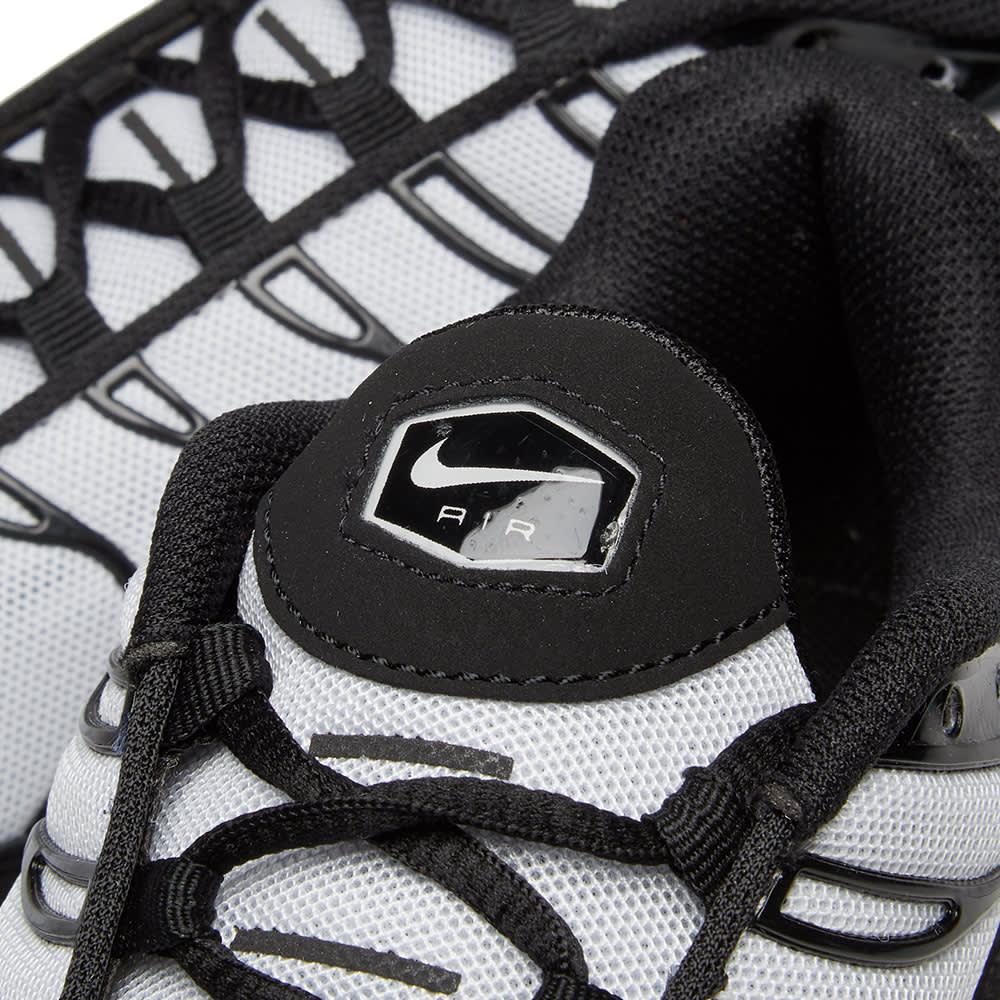 Nike Air Max Plus - Black & White