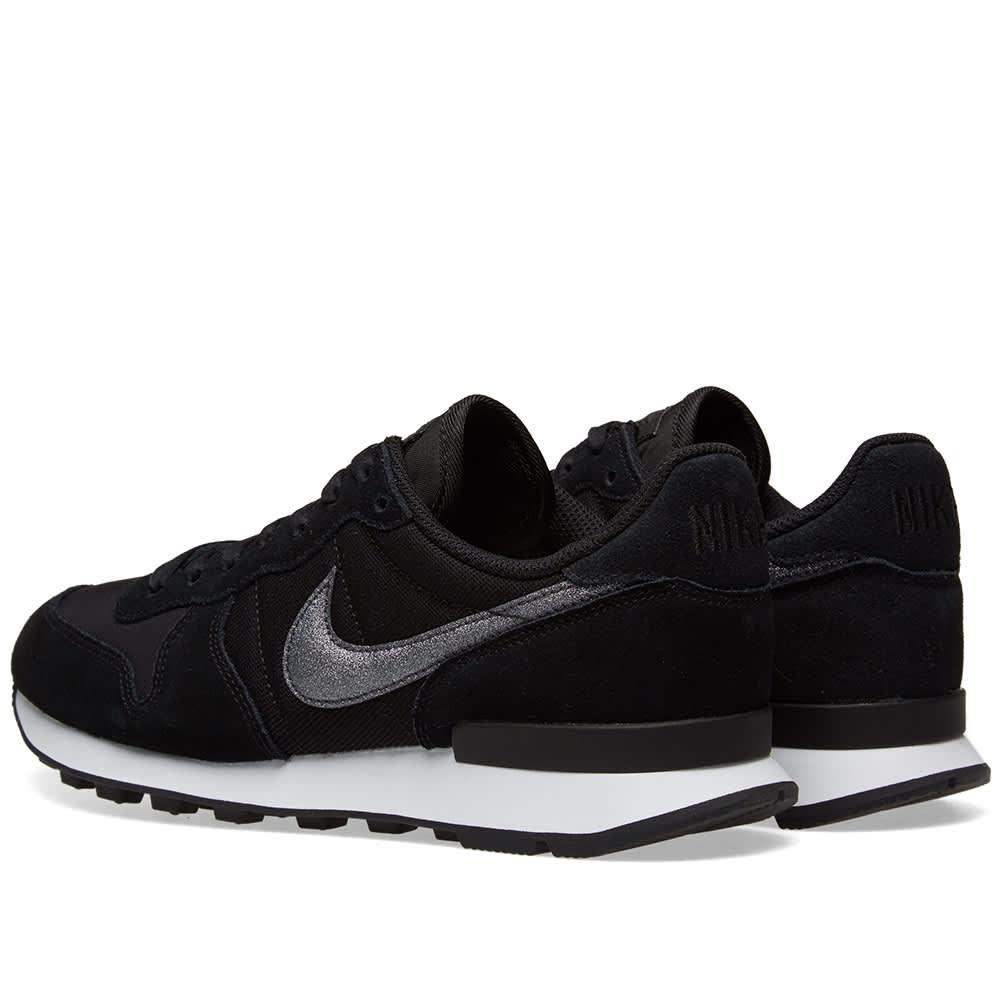 Nike Internationalist W - Black & White