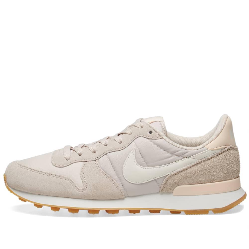 Nike Internationalist W Desert Sand