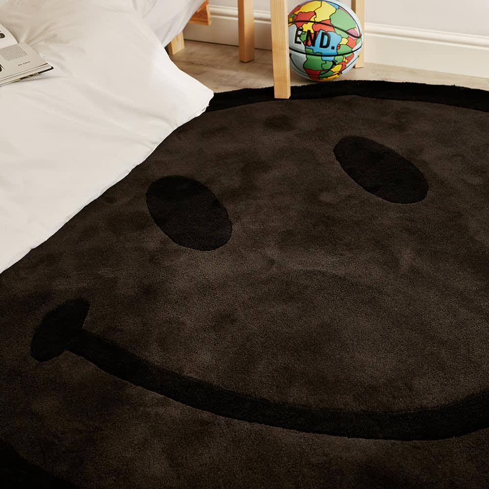 Chinatown Market Smiley 6ft Monochrome Rug - Black