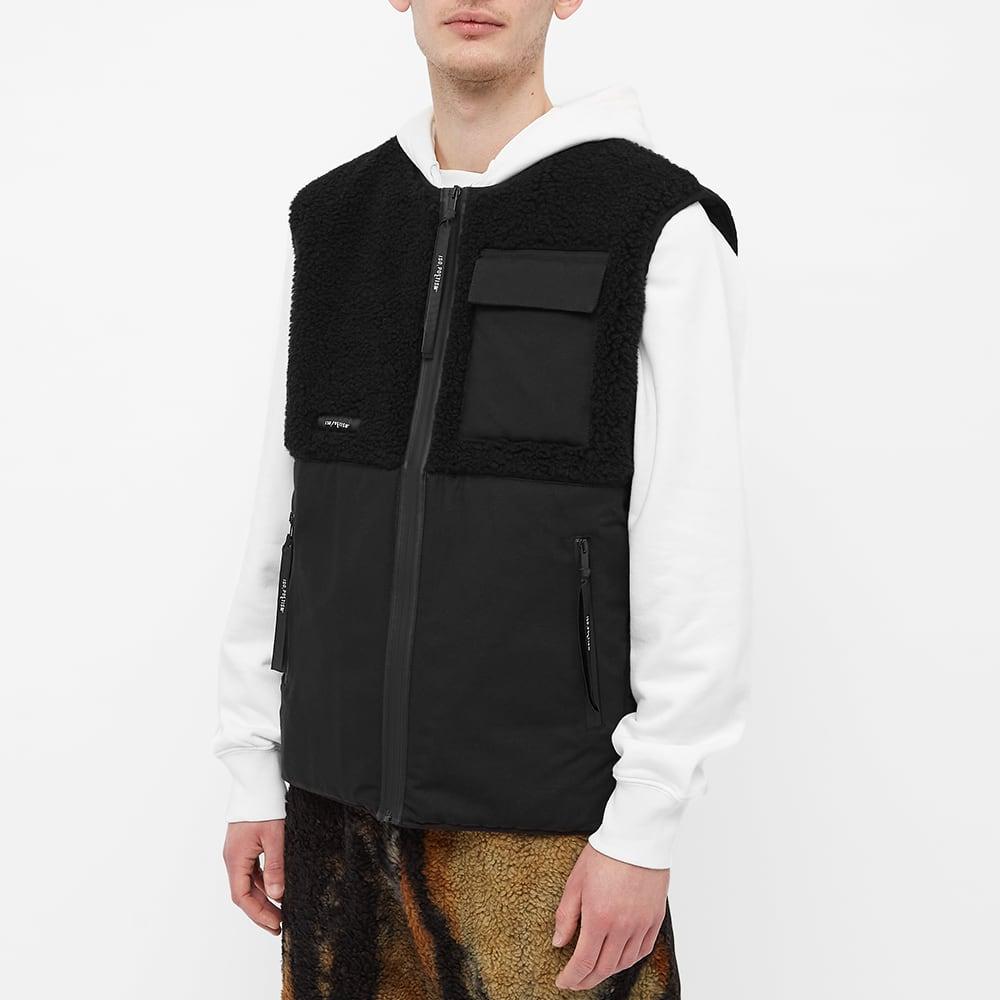 Tobias Birk Nielsen Sherpa Vest - Black