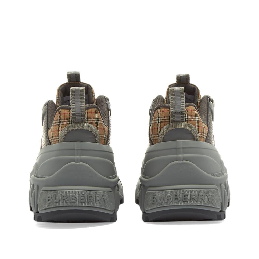 Burberry Arthur Sneaker - White & Grey Check