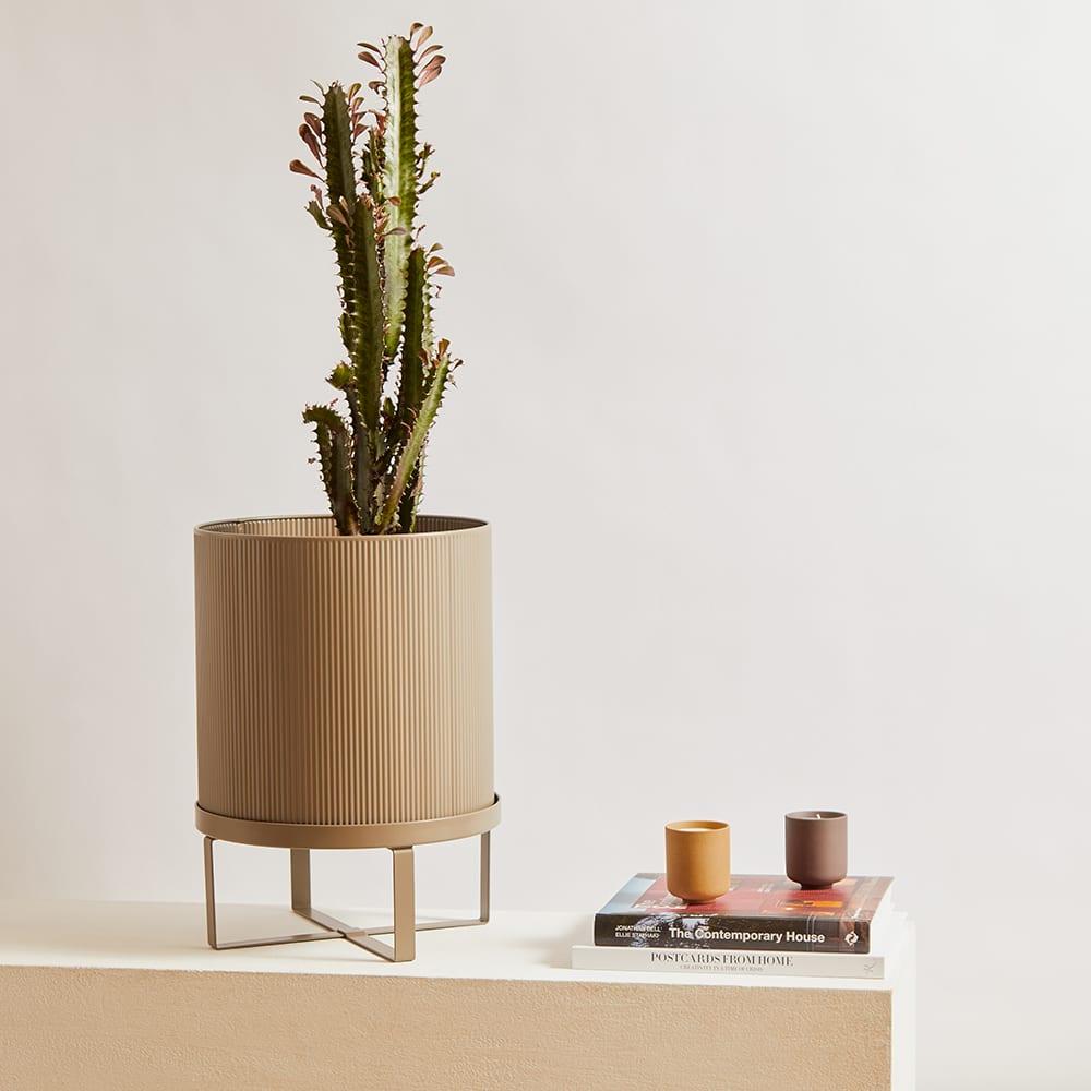 Ferm Living Bau Large Plant Pot - Warm Grey