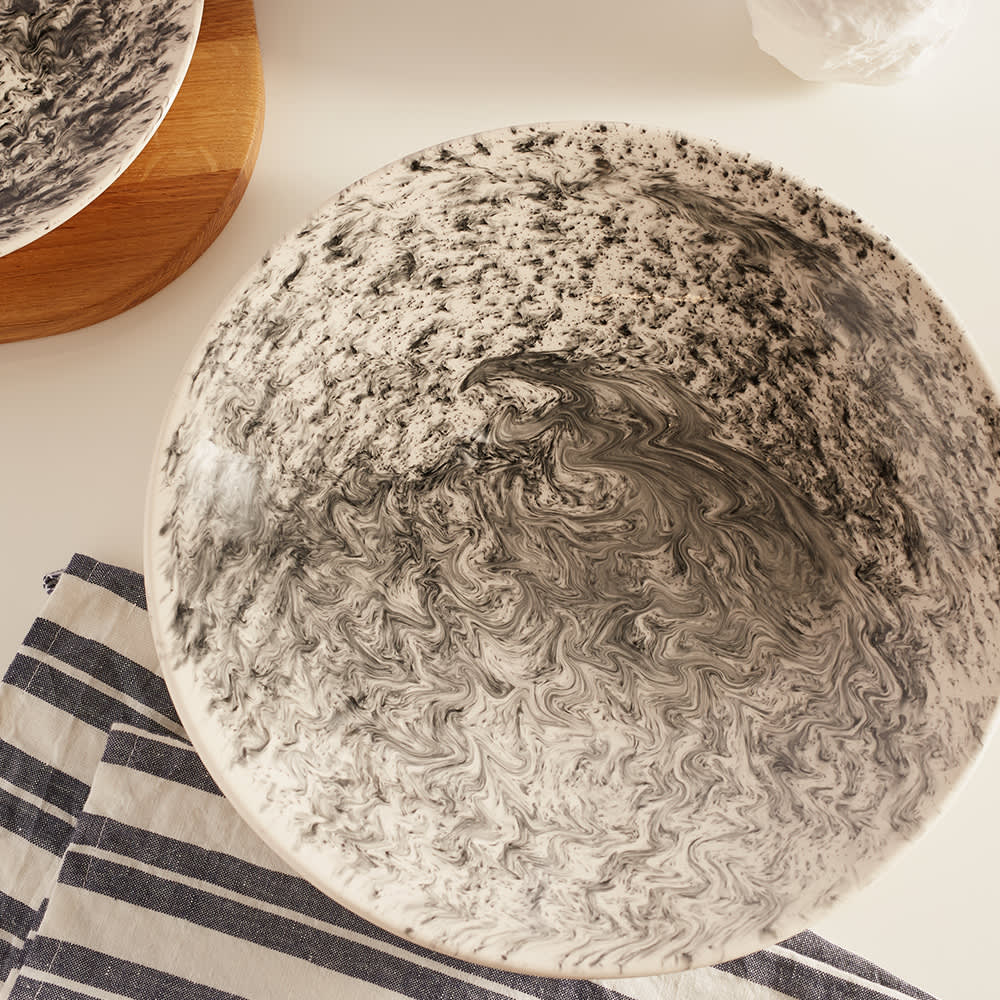1882 x Queensbury Hunt Slick Additions Serving Bowl - Black & White