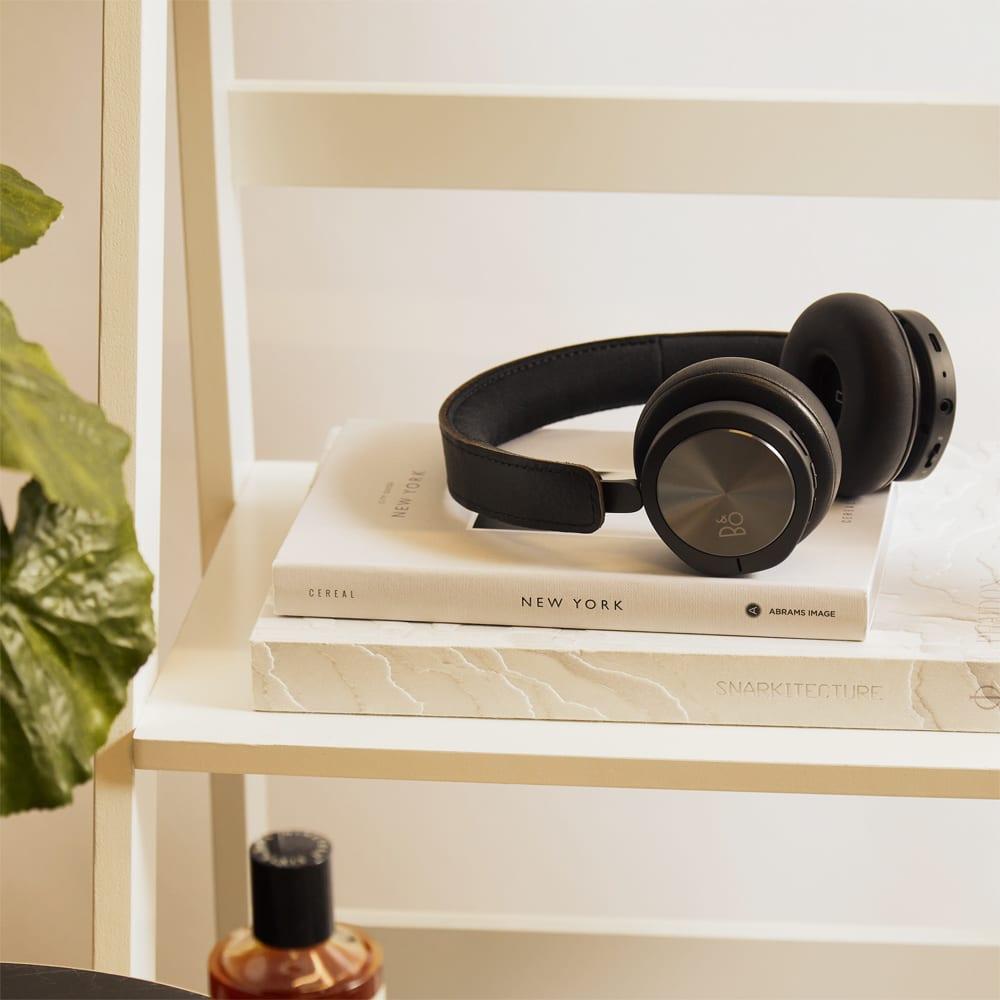 Bang & Olufsen H8i Over Ear Headphones - Black