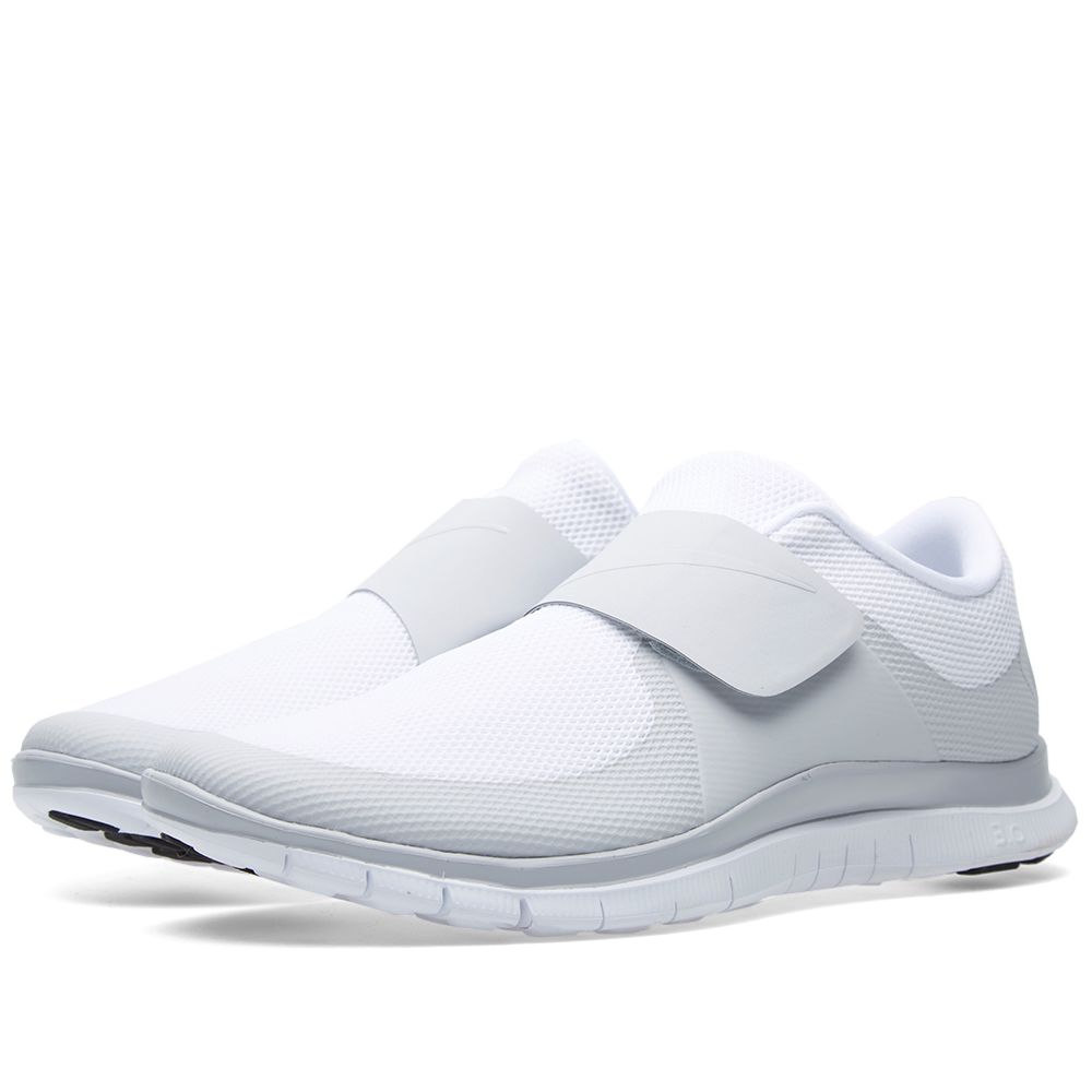 the latest c6191 a2d99 Nike Free Socfly. White