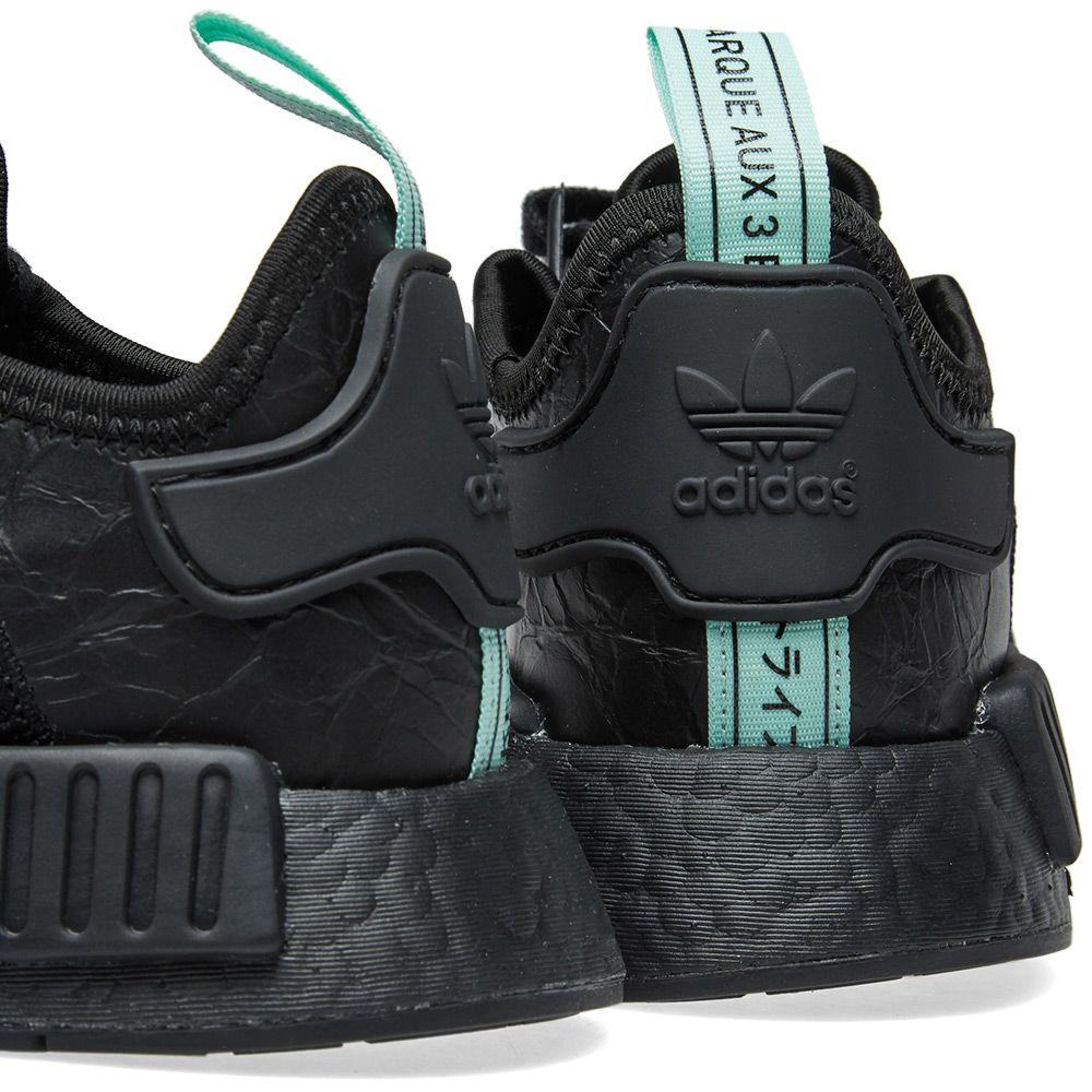 0a9ba58a22e Adidas NMD R1 W Core Black   Clear Mint