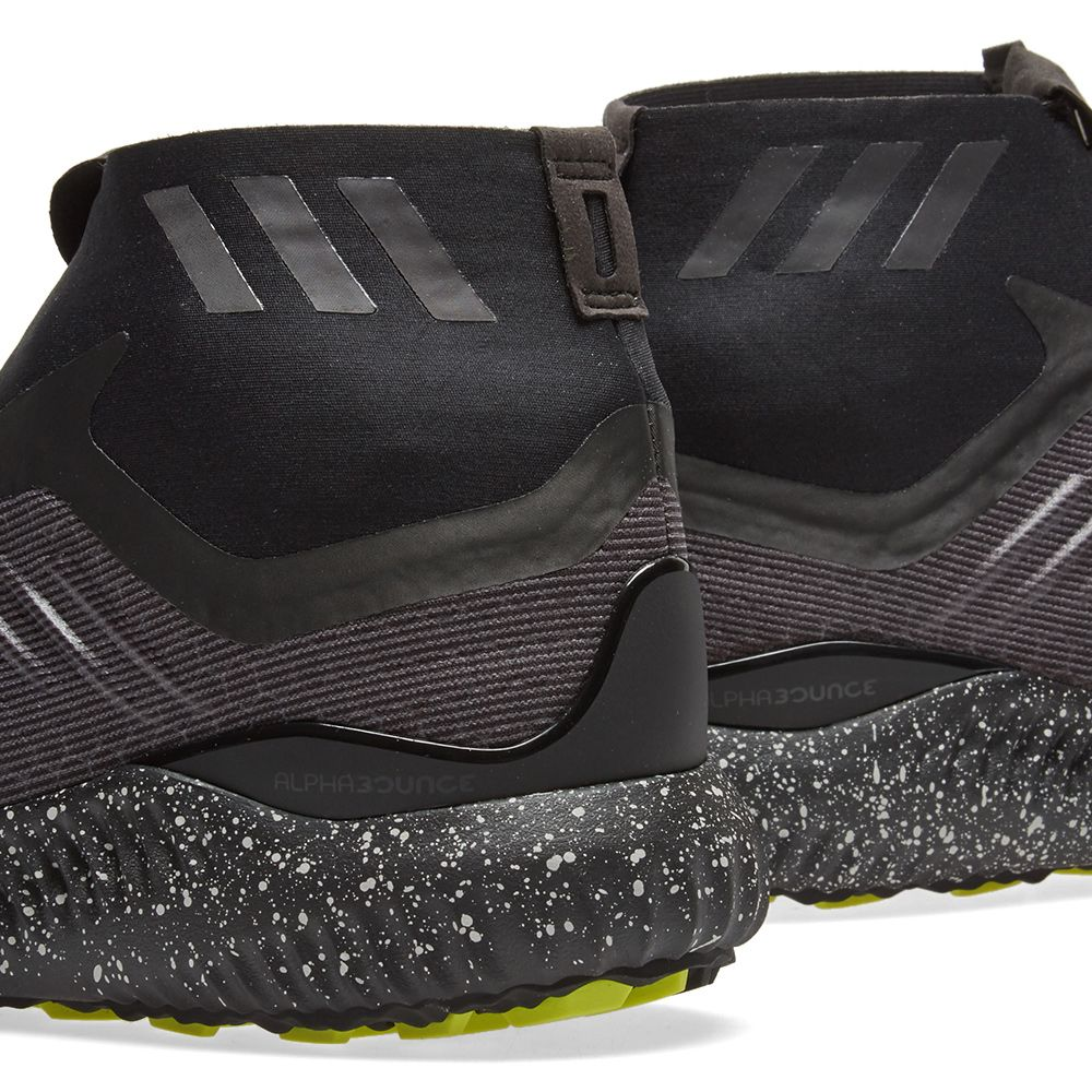 low priced 1bf90 16408 Adidas Alphabounce Zip. Core Black  White
