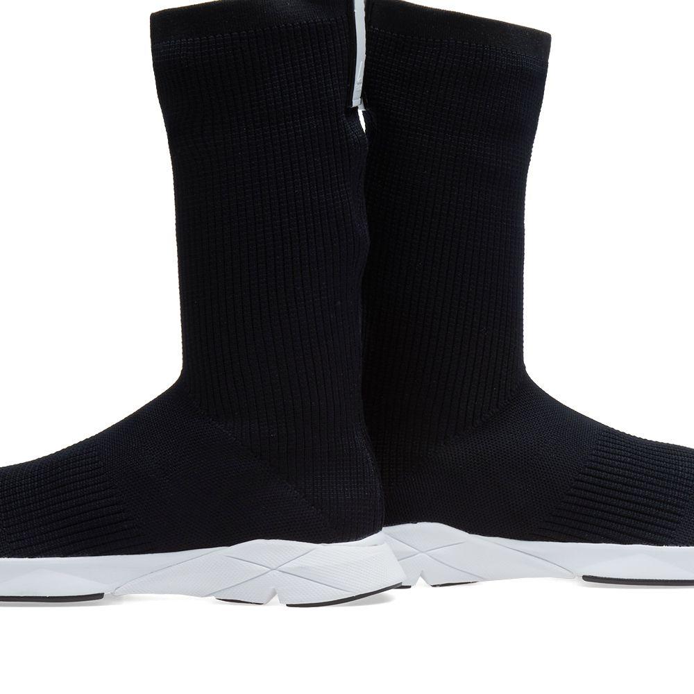 73914eb4ab13 Reebok Sock Runner Black   White