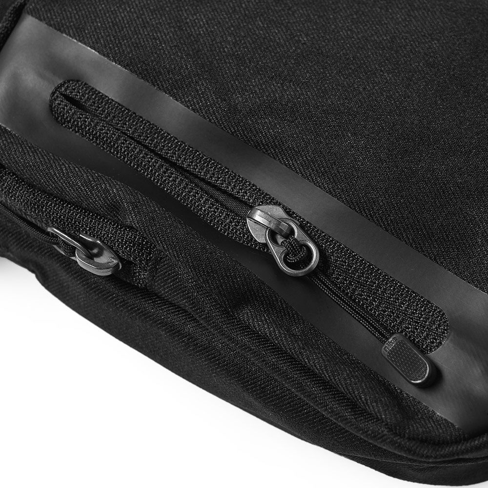 74ff9fee2f01dd Nike Tech Small Bag Black
