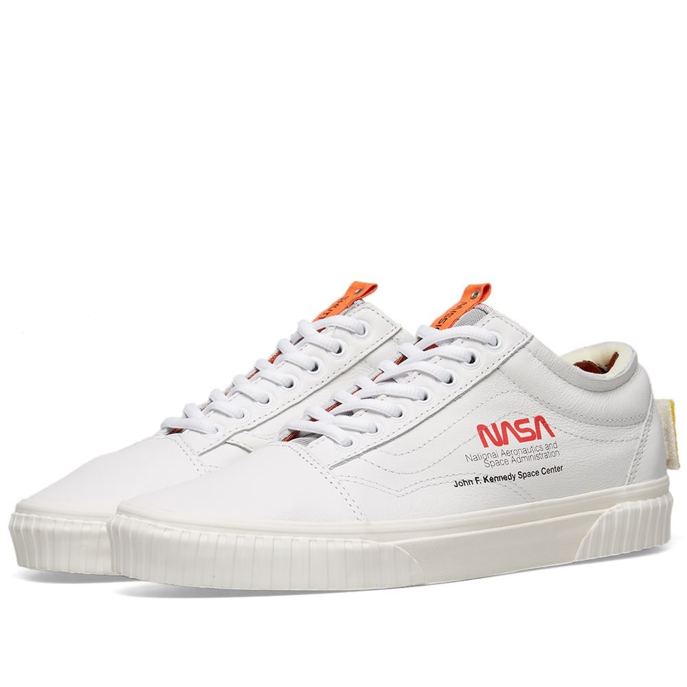b1e824086a3 Vans Old Skool Space Voyager   True White