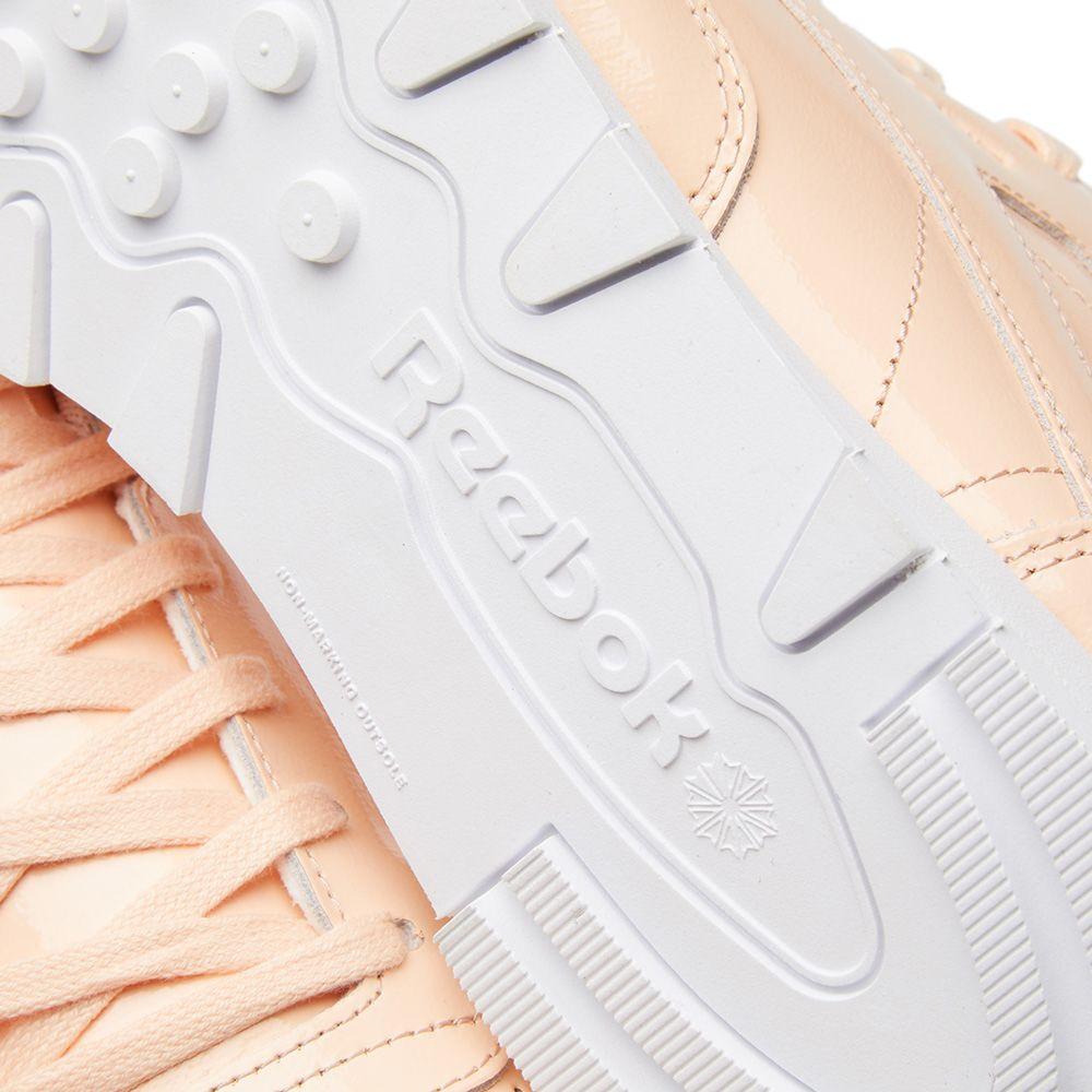 0ee8c06e51b9 Reebok Classic Leather Patent W Desert Dust   White