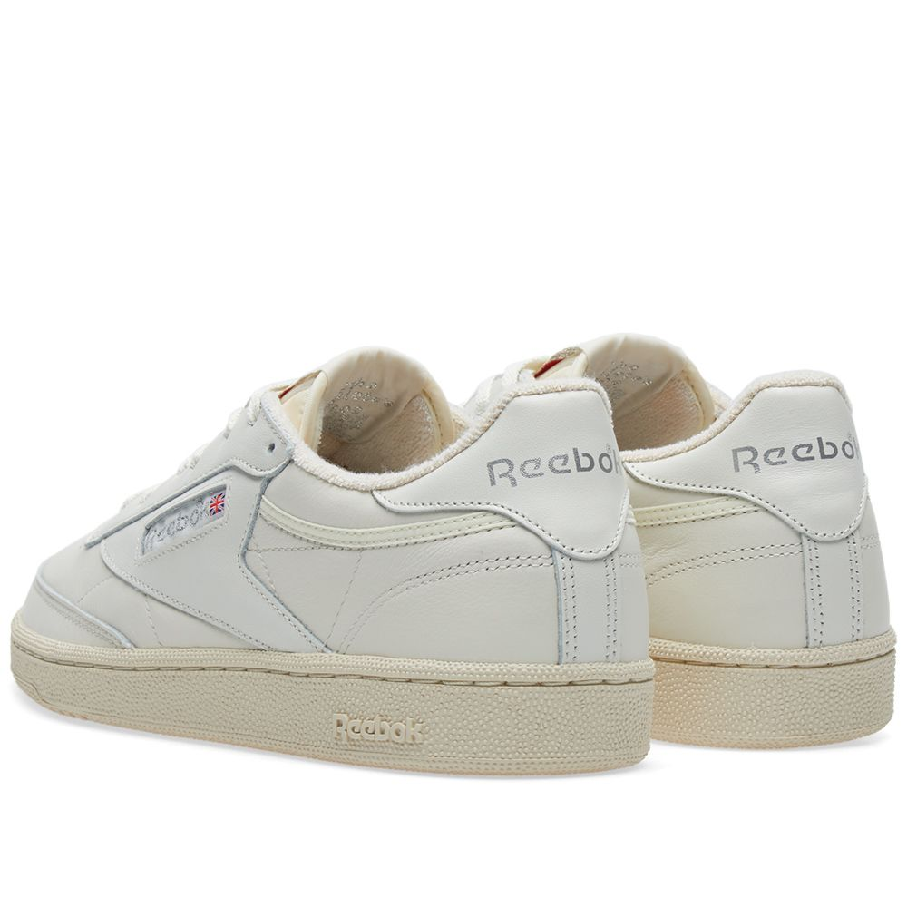 reebok club c 85 vintage w chalk silver red end. Black Bedroom Furniture Sets. Home Design Ideas