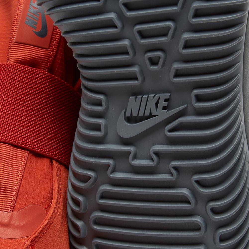 size 40 f0f4c f209c NikeLab Komyuter Premium Dragon Red  Anthracite  END.