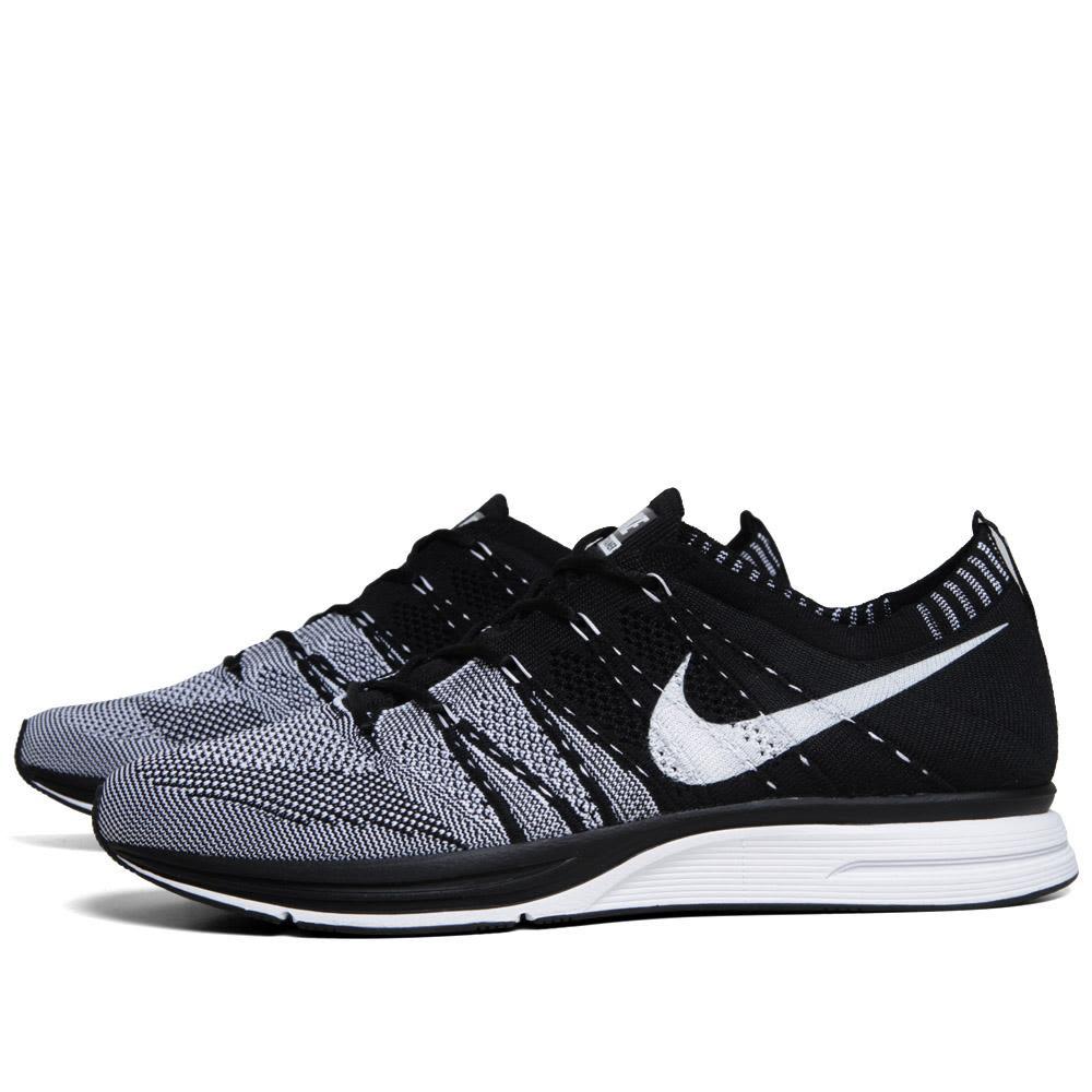 eaa01ec10b96f Nike Flyknit Trainer+ Black   White