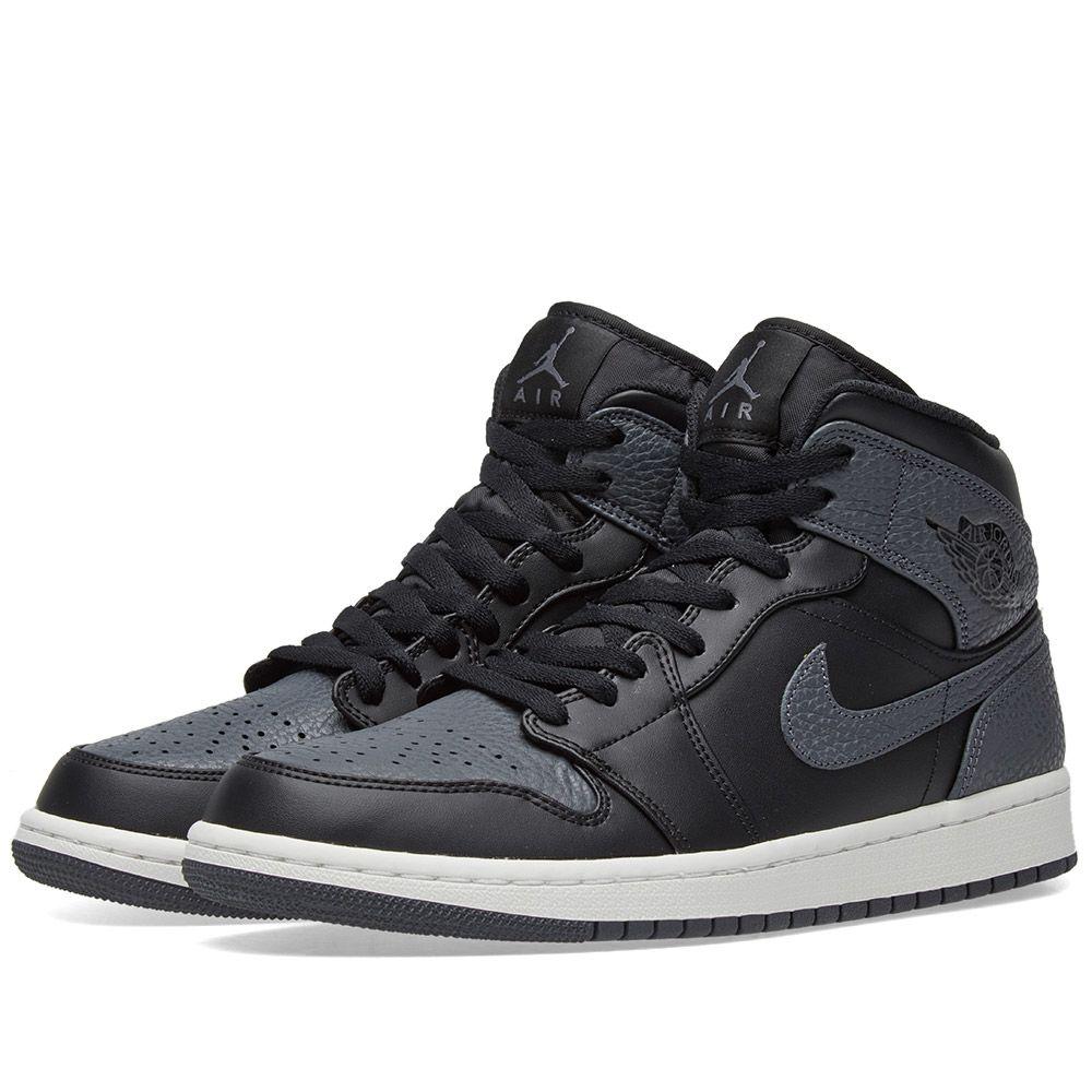 72cfa132dfb4 Air Jordan 1 Mid Black