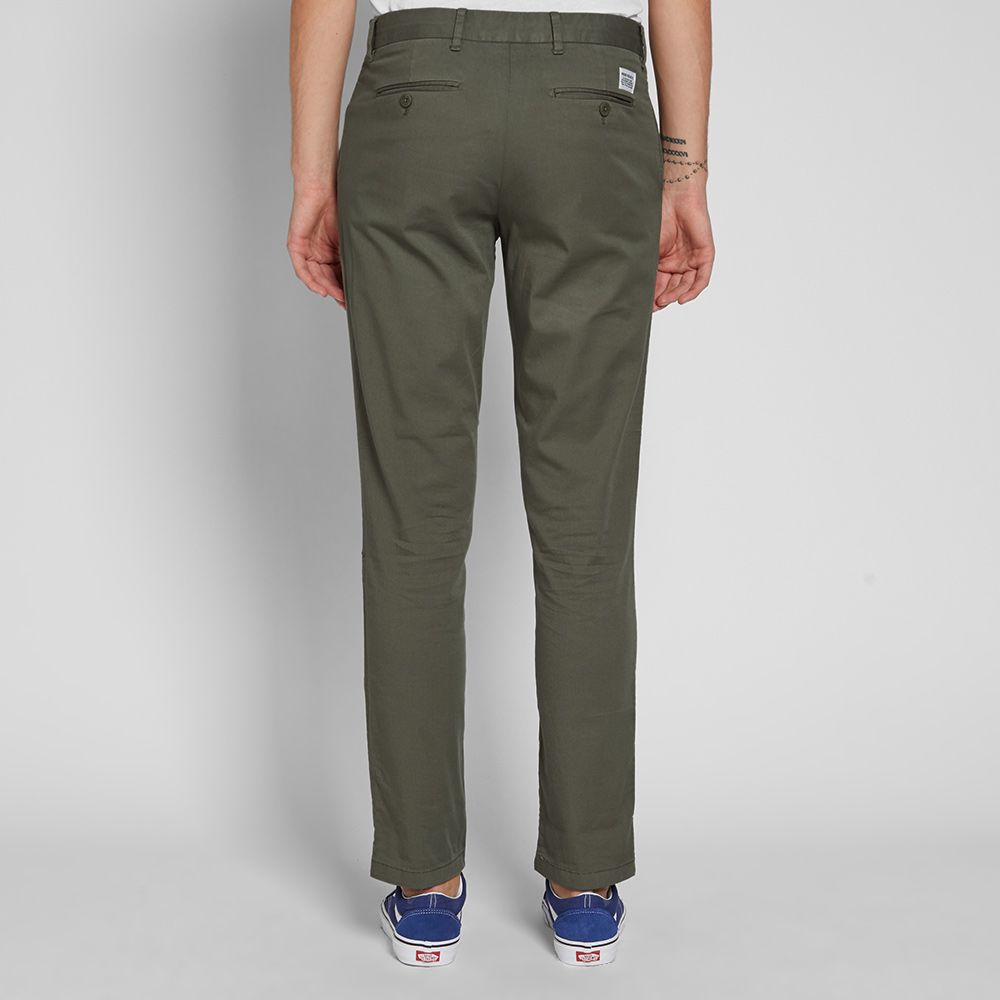 Norse Projects Aros Slim Light Stretch Chino Dried Olive  ec319d8d2