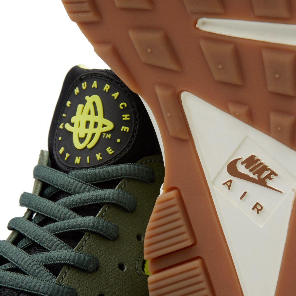e4b0bc33efd7 Nike W Air Huarache Run Carbon Green   Black