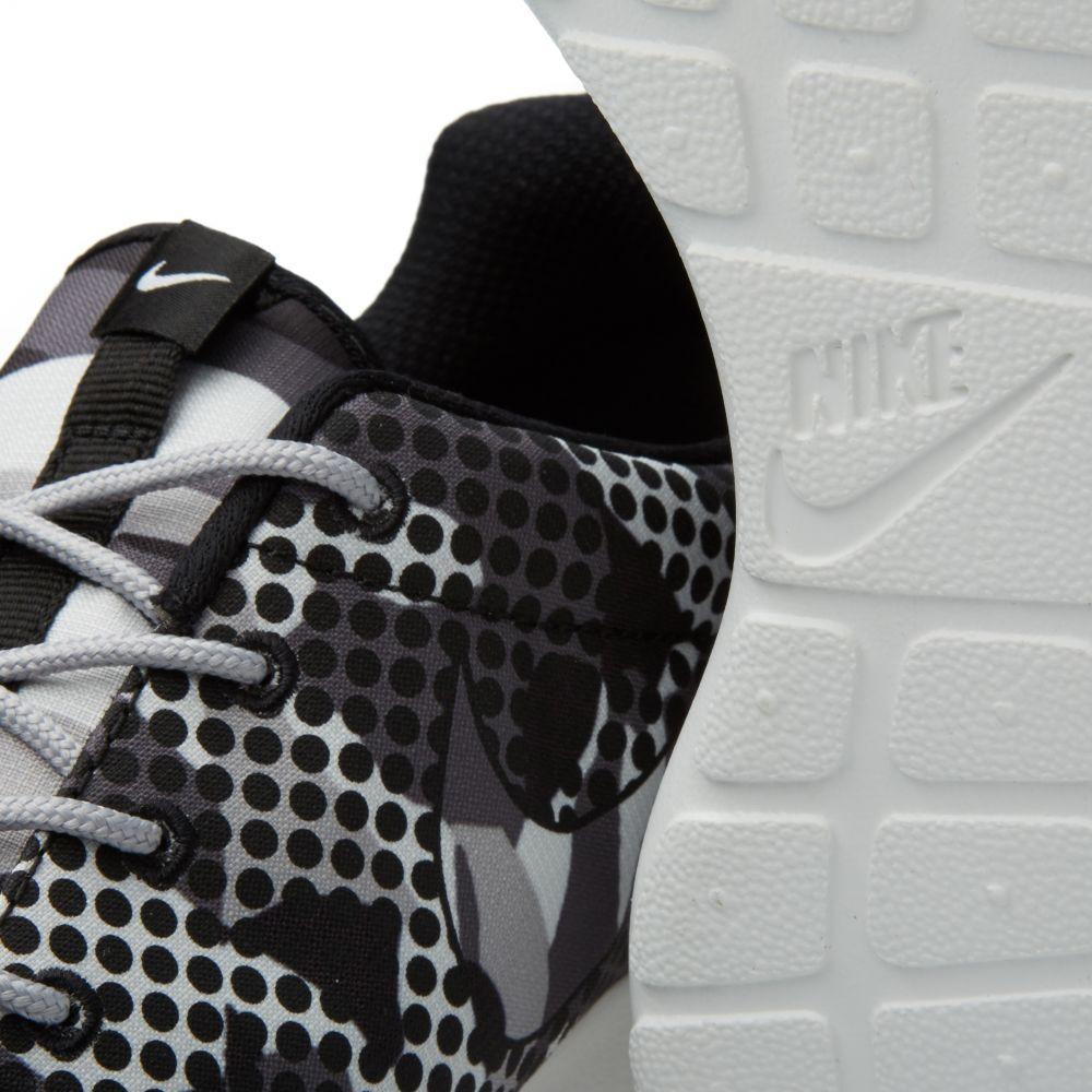 625bf8a33e9c Nike Roshe One Print. Summit White   Dark Grey.  95  55. image