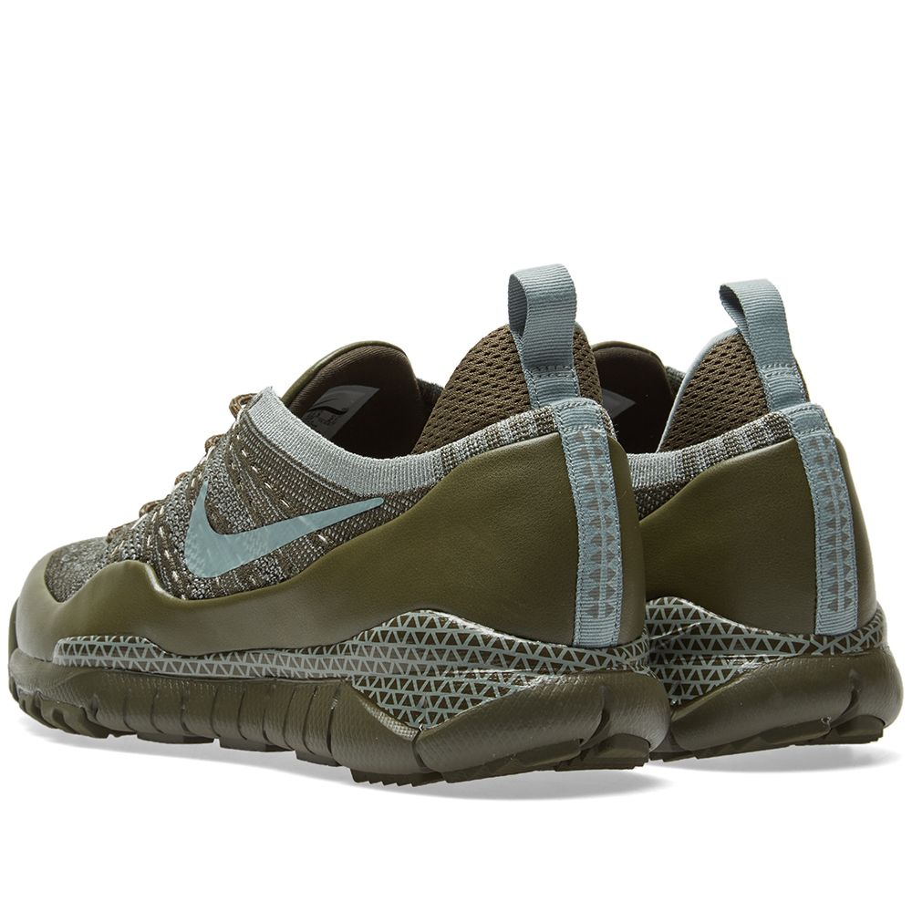 92cc40d4b406 Nike Lupinek Flyknit Low Cargo Khaki   Mica Green