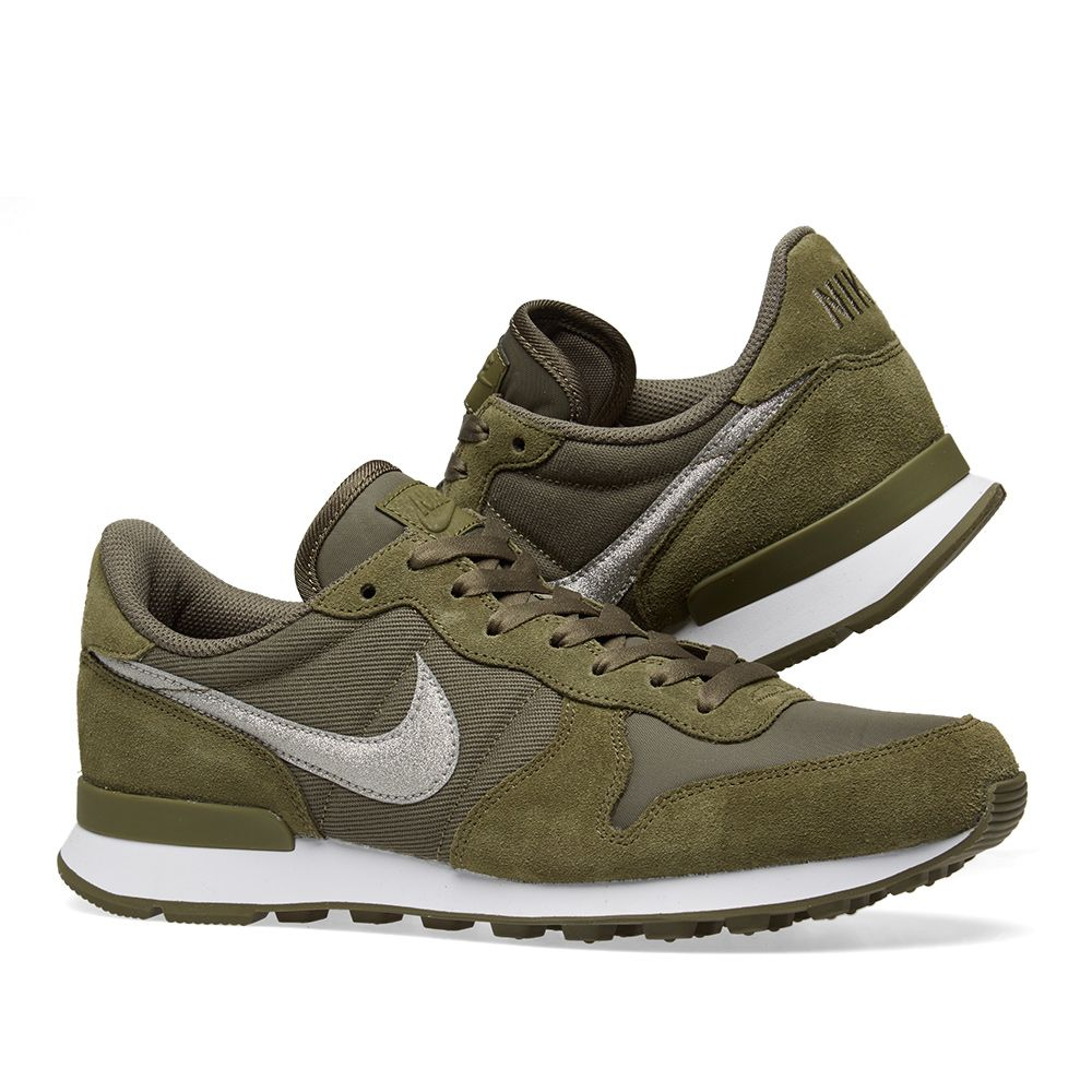 outlet store d2276 e5f0d Nike Internationalist W. Medium Olive