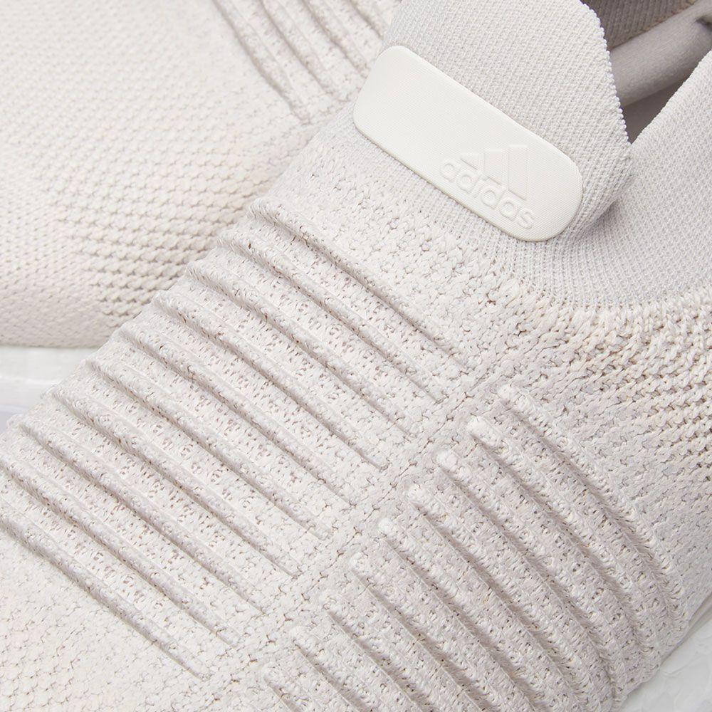 5d6d53173768a7 Adidas Ultra Boost Laceless Chalk Pearl   Linen