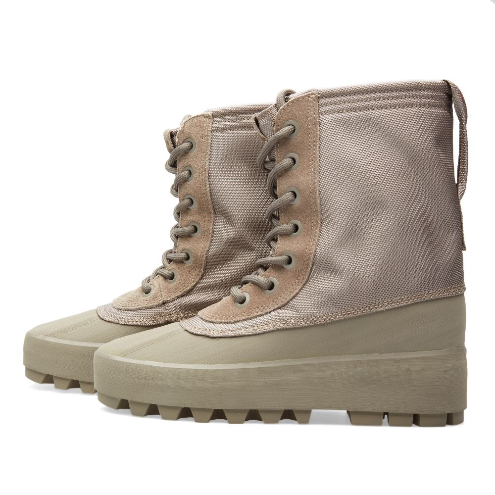 7c02b9d0e979 Yeezy 950 W Moon Rock