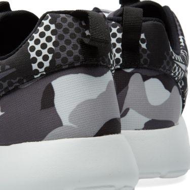 4c3df8e213a4 Nike Roshe One Print Summit White   Dark Grey