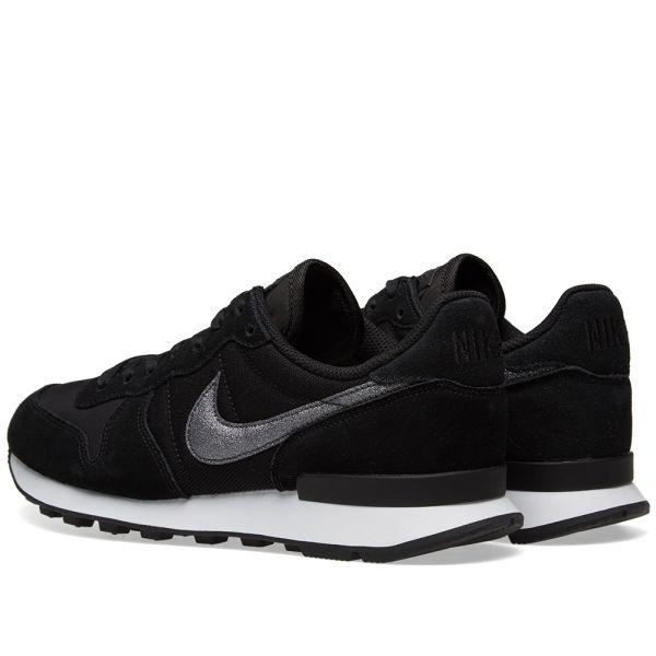 Nike Internationalist W Black \u0026 White