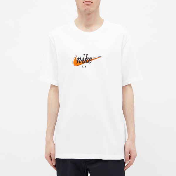 Puntero Paraíso Cincuenta  Nike SB Retro Futura Tee White & Safety Orange | END.