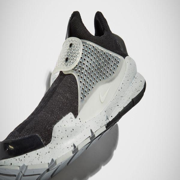 buscar auténtico marca popular gama exclusiva Nike x Fragment Design Sock Dart SP Black | END.